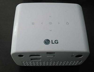 ویدئو پروژکتور ال جی LG PH300 : (کارکرده)، خانگی، HD، روشنایی 300 لومنز، رزولوشن 1280x720
