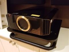 ویدئو پروژکتور جی وی سی JVC DLA-RS600